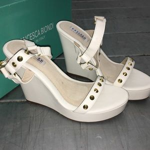 Kayleen White sandal wedges